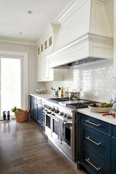 {Trend Alert} Blue and White Kitchens