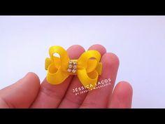 DIY Micro Boutique no gabarito super facil - Easy tie Ribbon Hair Bows, Diy Hair Bows, Diy Ribbon, Ribbon Crafts, Felt Hair Clips, Baby Hair Clips, Homemade Bows, Hair Bow Tutorial, Boutique Hair Bows