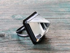 Quartz Crystal Pyramid Ring - Oxidized Sterling Silver - Your size on Etsy, 87,62 €