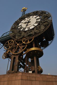 Asian clock featuring the Western Zodiac by alauf,