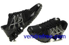 new style 0ff58 34f76 Vendre pas cher Homme Nike Shox R4 Chaussures (couleur sole,vamp et logo- blanc,noir interieur-noir) en ligne en France.