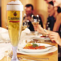 Una comida familiar acompañada de una Clausthaler se vuelve excepcional.