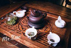 Представляем: чайная и магазин китайского чая нового формата Tea Lounge & Shop - Mr. Dao (Прага) Tea Lounge, Tray, Shopping, Food, Hoods, Meals, Board, Trays