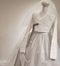Our haute couture, beautiful The Dan Hanbok. Made just for you, for your special day.