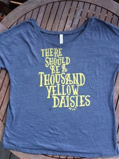 When Lorelai insisted that Maxs proposal include 1,000 yellow daisies, Max delivered. Gilmore Girls - Super comfy! t-shirts, fashion, gift, Etsy, ladies