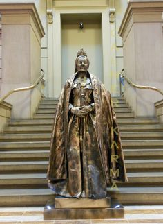 Living Statues and body painted performers for corporate entertainment; London and UK Victorian Party, London Birmingham, Living Statue, Costume Ideas, Costumes, Corporate Entertainment, Queen Victoria, Wow Products, Body Painting