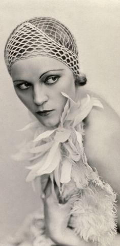 Art Platinotypes Portrait of a woman. Wanda Wulz 1930 ca.  Fratelli Alinari Museum Collections-Studio Wulz Archive, Florence