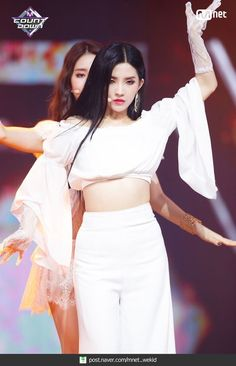 Photo album containing 28 pictures of (G)I-DLE Kpop Girl Groups, Korean Girl Groups, Kpop Girls, Girl Day, My Girl, Hyeri, Cube Entertainment, Soyeon, Stage Outfits