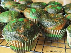 cookies and cups: Camo and Cupcakes