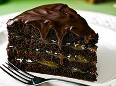 Torta de chocolate com recheio de damasco