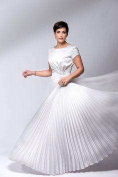 Going Dutch, Beautiful Dresses, One Shoulder Wedding Dress, Celebs, Wedding Dresses, Poster, Fashion, Celebrities, Bride Dresses