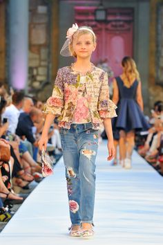 5522077b47b478 MONNALISA SPRING SUMMER 2018 FASHION SHOW - RUNWAY #Monnalisa #SS2018 # Runway #Catwalk #GiardinoCorsini