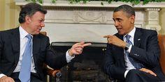 Juan Manuel Santos Presidente de Colombia. El #LenguajeCorporal es de suma importancia en el dominio de los escenarios políticos, es un juego de gestos y ademanes que complementan la palabra. #Image #ImagenPolitica #ImagenPublica #Colombia #ConsultoriaEnImagen #Etiqueta #Protocolo
