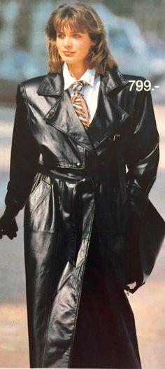 Long Leather Coat, Leather Trench Coat, Black Leather, Leather Gloves, Vintage Leather, Stylish Raincoats, Raincoats For Women, Raincoat Outfit, Hooded Raincoat
