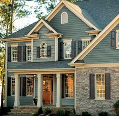 Clapboard Siding is the match point to make our first sight is memorable. Of course we want our home is the best and unique than others. French Country Exterior, French Country House, Exterior Colors, Exterior Design, Garage Design, House Design, Insulated Siding, Clapboard Siding, Fiber Cement Siding