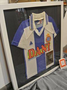 Camiseta de futbol de bebe totart.cat #futbol #cuadro #marco #enmarcar