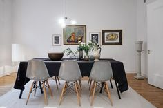 dining room grey Eames chairs and fab art wall Home Design Decor, Interior Design, Home Decor, Dining Room Table, Dining Chairs, Dining Rooms, Eames Chairs, Decoration, Furniture Design