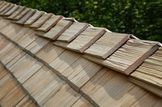 Fixing or replacing the roof of your home can be a tedious and stressful procedure. What is the most durable roofing materials that suit your home. Types Of Roofing Materials, Roofing Options, Roofing Systems, Solar Shingles, Wood Shingles, Cedar Roof, Corrugated Tin, Copper Roof, Roof Installation