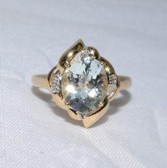 Aquamarine Lady's Stone Ring 14K Yellow Gold 3.35g Size:8
