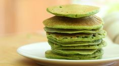 traditionally an interesting alternative to the traditional south Indian uttapa, especially for kids and a great way to please guests. This recipe uses green peas making things super exciting with the color green and food for the box. 3 Pancake Recipe, Lucky Charms Cereal, Toddler Meals, Toddler Recipes, Green Food Coloring, Baking With Kids, Yellow Cake Mixes, Recipe Steps, Greens Recipe