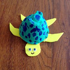 Kid's craft------- egg carton turtles :)