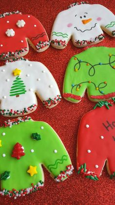 12 Ugly Christmas Sweater Cookies Party Favors - Emma Lee home Christmas Biscuits, Christmas Sugar Cookies, Christmas Sweets, Holiday Cookies, Christmas Baking, Etsy Christmas, Christmas Outfits, Christmas Time, Christmas Ideas