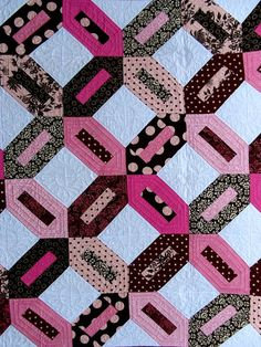 love this quilt - traditional yet modern