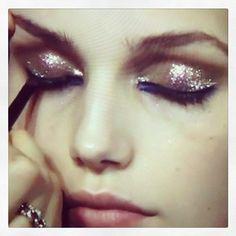 giltter eyeshadow.