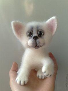 Needle felted kitty by Elena