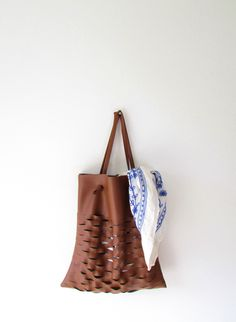 DIY: lattice tote