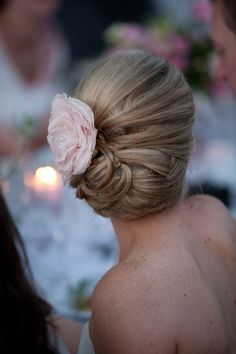 i would love this for my hair style on my wedding day :)