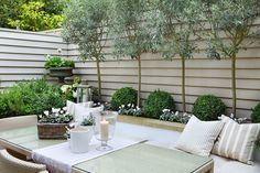 Shabby chic garden courtyards outdoor rooms new ideas Back Garden Design, Modern Garden Design, Backyard Garden Design, Backyard Landscaping, Landscaping Ideas, Backyard Ideas, Small Courtyard Gardens, Small Courtyards, Small Gardens