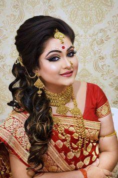 Bengali Saree, Bengali Bride, Indian Silk Sarees, Beautiful Indian Brides, Beautiful Women, Wedding Makeover, Indian Bridal Photos, Bengali Bridal Makeup, Stylish Photo Pose