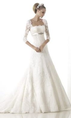 """Pronovias Brandie: buy this dress for a fraction of the salon price on <a href=""""http://PreOwnedWeddingDresses.com"""" rel=""""nofollow"""" target=""""_blank"""">PreOwnedWeddingDr...</a>"""
