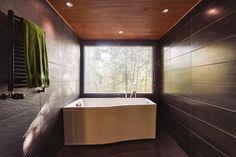 Moderni kylpyhuone Bathtub, Bathroom, Saunas, Standing Bath, Washroom, Bath Tub, Bathtubs, Bathrooms, Bath