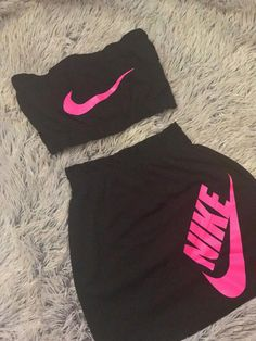 Clothes Picture of Blackout Nike 2 Piece Outfits Cute Nike Outfits, Cute Lazy Outfits, Sporty Outfits, Dope Outfits, Stylish Outfits, Stylish Clothes, Gym Outfits, Fitness Outfits, Clothes Sale