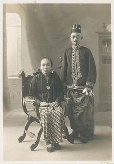 Raden Aripati Ario Iskandar dan Raden Ayu, Bupati Karanganyar 1930