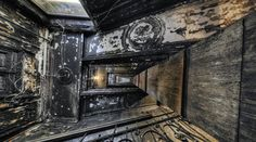 The main staircase old apartment building (Russia) by Dmitriy Krasko https://www.360cities.net/image/the-main-staircase-old-apartment-building-st-petersburg#422.08,-90.00,109.0