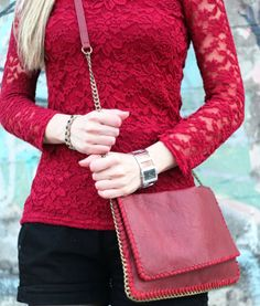 look do dia, ootd, burgundy and black, burgundy lace blouse, renda, lace, look of the day, fashion blog, vermelho escuro, bordeaux, shorts, ...