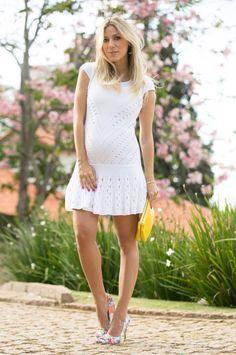 Nati Vozza veste: Vestido Galeria Tricot | Scarpin Luiza Barcelos | Bolsa Cèline | Joias La Chica de Oro