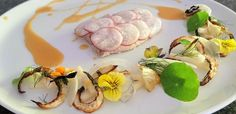 Poached yellowtail with pickled radish, apple and fennel salad Pickled Radishes, Fennel Salad, Lemon Slice, Perfect Food, Low Carb, Entertaining, Apple, Make It Yourself, Ethnic Recipes