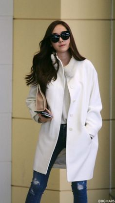 Jessica Jung (제시카 정) Snsd Airport Fashion, Snsd Fashion, Korea Fashion, Daily Fashion, Girl Fashion, College Style, College Fashion, Tokyo Winter, Jessica Jung Fashion