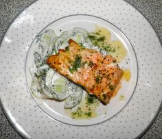 Salmon with Cucumber, Lemon and Dill
