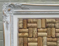 Cork Board using used wine bottle corks Frame Crafts, Cork Crafts, Easy Diy Crafts, Fun Crafts, Recycled Crafts, Wine Cork Projects, Cork Bulletin Boards, Recycled Wine Bottles, Diy Projects To Try