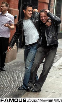 British pop star Robbie Williams in the streets of SoHo, New York - 09/05/03