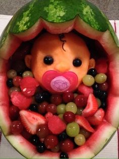 Trendy Fruit Tray Ideas For Baby Shower Edible Arrangements Ideas Watermelon Baby Carriage, Baby Shower Watermelon, Baby Fruit, Watermelon Ideas, Fruit Baby Carriage, Baby Shower Fruit Tray, Watermelon Salad, Fruit Salad Decoration, Fruit Decorations