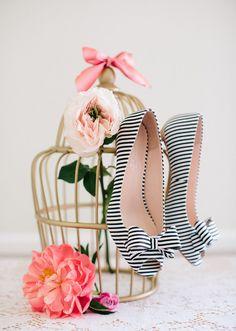 Escarpins à bouts ouverts rayés noir et blanc - Chaussures: Milk & Honey - Crédit Photo: Annie McElwain - La Fiancée du Panda blog Mariage et Lifestyle