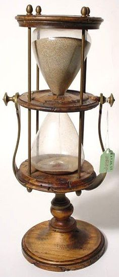 Hourglass Old Clocks, Antique Clocks, Sand Glass, Glass Art, Hourglass Sand Timer, Unusual Clocks, Sand Timers, Grain Of Sand, Sundial