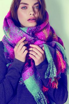 #WOMANTRENDS - THE CRAZY SCARF! #FASHIONTRENDS OF WINTER 2014-2015 by @laurelconnie12