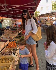 French Girl Style, French Girls, French Chic, Family Photo Outfits, Family Photos, Future Mom, Dear Future, Summer Denim, Cute Family